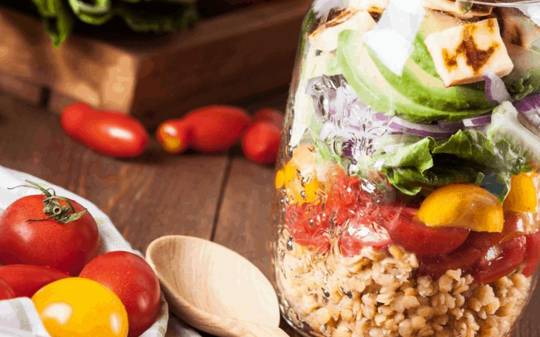 Linsen-Kichererbsen-Salat mit Erdbeerdressing